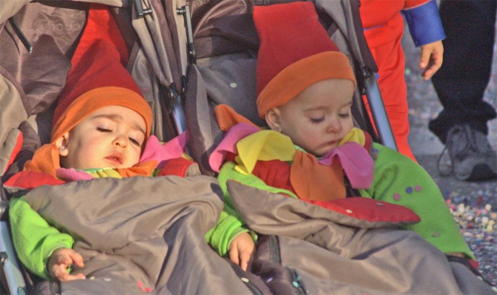Sleeping gnomes